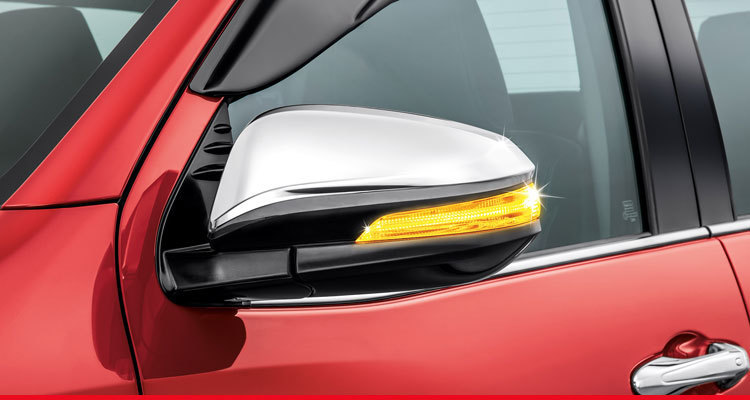 Power-Adjustable & Retractable Wing Mirrors*