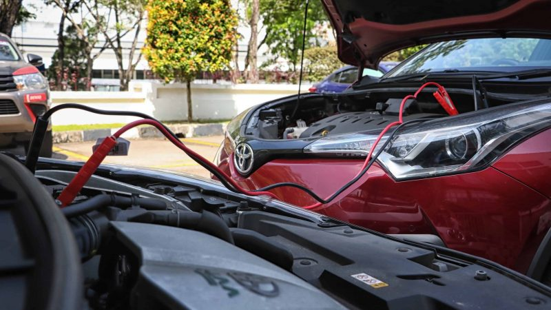 Toyota Guide on How to Jumpstart Car Battery
